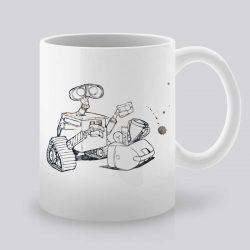 Сутрешната чаша кафе или чай става още по-приятна, с дизайнерската ни керамична чаша с щампа Робот.