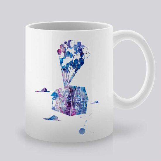Сутрешната чаша кафе или чай става още по-приятна, с дизайнерската ни керамична чаша с щампа летяща къща.
