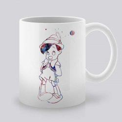 Сутрешната чаша кафе или чай става още по-приятна, с дизайнерската ни керамична чаша с щампа Пинокио.