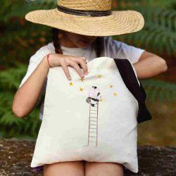 Детска чанта Стълба към звездите се шие индивидуално за вас - лека, сгъваема, разпознаваема детска чанта или удобна чанта за пазар.