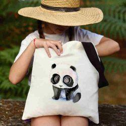 Детска чанта Тъжна панда се шие индивидуално за вас - лека, сгъваема, разпознаваема детска чанта или удобна чанта за пазар.