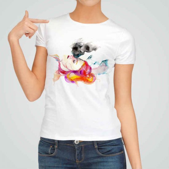 Дамска тениска Нежност е изработена от висококачествен памук и последно поколение технология на печат. Ярки цветове и прецизен детайл – сякаш някой е рисувал с четка и бои върху плата.