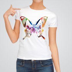 Дамска тениска Пеперуда с Череп е изработена от висококачествен памук и последно поколение технология на печат. Ярки цветове и прецизен детайл – сякаш някой е рисувал с четка и бои върху плата.