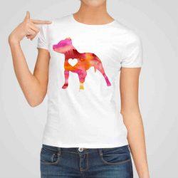 Дамска тениска Питбул е изработена от висококачествен памук и последно поколение технология на печат. Ярки цветове и прецизен детайл – сякаш някой е рисувал с четка и бои върху плата.