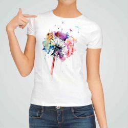 Дамска тениска Рисувано Глухарче е изработена от висококачествен памук и последно поколение технология на печат. Ярки цветове и прецизен детайл – сякаш някой е рисувал с четка и бои върху плата.