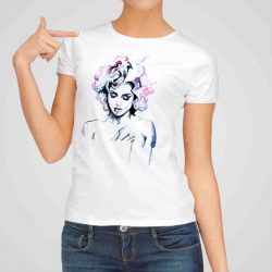 Дамска тениска с Арт Щампа е изработена от висококачествен памук и последно поколение технология на печат. Ярки цветове и прецизен детайл – сякаш някой е рисувал с четка и бои върху плата.