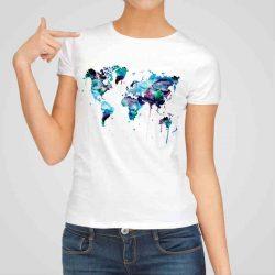 Дамска тениска Синя Карта на Света е изработена от висококачествен памук и последно поколение технология на печат. Ярки цветове и прецизен детайл – сякаш някой е рисувал с четка и бои върху плата.