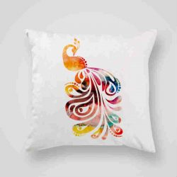 Декоративна калъфка Акварелен паун е изработена от качествен текстил в натурален бял цвят, с щампа от едната страна и скрит цип за лесна поддръжка. Калъфката е ушита ръчно и с грижа, печатът е безопасен, с нетоксични мастила и трайни цветове.
