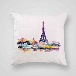 Декоративна калъфка Гледка към Париж е изработена от качествен текстил в натурален бял цвят, с щампа от едната страна и скрит цип за лесна поддръжка. Калъфката е ушита ръчно и с грижа, печатът е безопасен, с нетоксични мастила и трайни цветове.