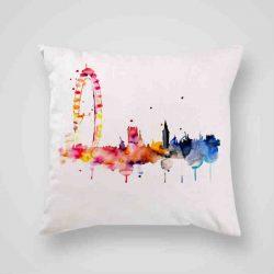 Декоративна калъфка Окото на Лондон е изработена от качествен текстил в натурален бял цвят, с щампа от едната страна и скрит цип за лесна поддръжка. Калъфката е ушита ръчно и с грижа, печатът е безопасен, с нетоксични мастила и трайни цветове.