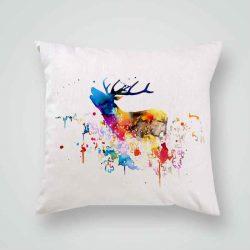 Декоративна калъфка Рисуван Елен е изработена от качествен текстил в натурален бял цвят, с щампа от едната страна и скрит цип за лесна поддръжка. Калъфката е ушита ръчно и с грижа, печатът е безопасен, с нетоксични мастила и трайни цветове.