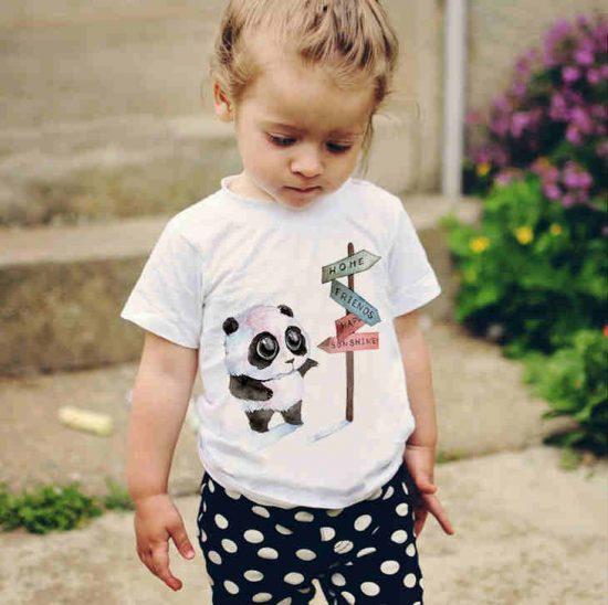 Детска тениска Панда на Кръстопът е изработена от висококачествен памук и последно поколение технология на печат. Можете да изберете тениска с принт по ваш вкус от от различните ни тематични серии.