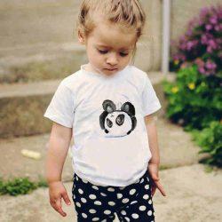 Детска тениска Панда с Главата Надолу е изработена от висококачествен памук и последно поколение технология на печат. Можете да изберете тениска с принт по ваш вкус от от различните ни тематични серии.