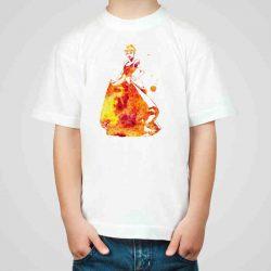 Детска тениска Пепеляшка е изработена от висококачествен памук и последно поколение технология на печат. Можете да изберете тениска с принт по ваш вкус от от различните ни тематични серии.