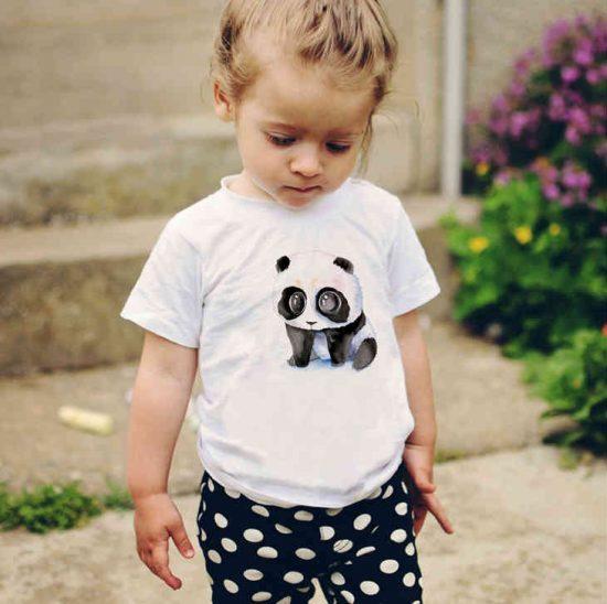 Детска тениска Тъжна Панда е изработена от висококачествен памук и последно поколение технология на печат. Можете да изберете тениска с принт по ваш вкус от от различните ни тематични серии.