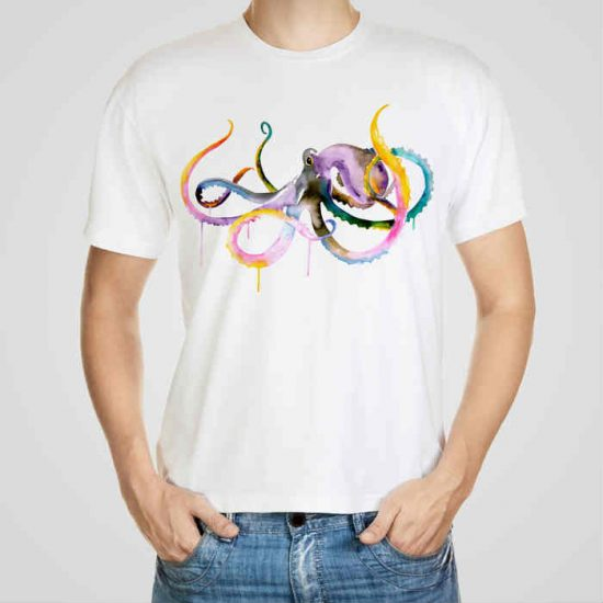Мъжка тениска Малък Октопод e изработена от висококачествен памук с ярки цветове и прецизен детайл – сякаш някой е рисувал с четка и бои върху плата.