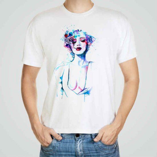 Мъжка тениска Портрет e изработена от висококачествен памук с ярки цветове и прецизен детайл – сякаш някой е рисувал с четка и бои върху плата.
