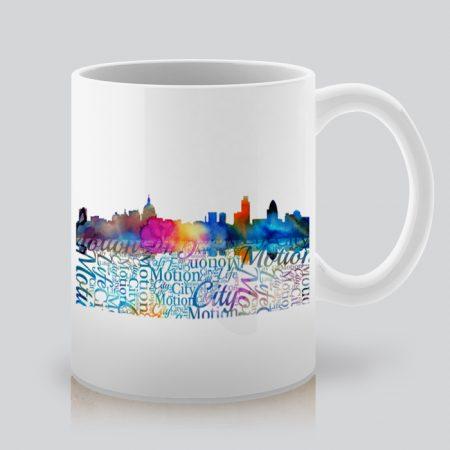 Чаша с гледка към града